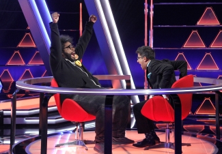 "THE $100,000 PYRAMID - Airdate: June 24, 2018 - Michael Strahan hosts ""The 100,000 Pyramid,"" airing SUNDAYS (9-10PM, ET) on the ABC Television Network. On this episode Snoop Dogg competes against Questlove and in game two Richard Schiff and Nicholas Gonzalez face off. (ABC/Lou Rocco) QUESTLOVE, ARCHITH SESHADRI"