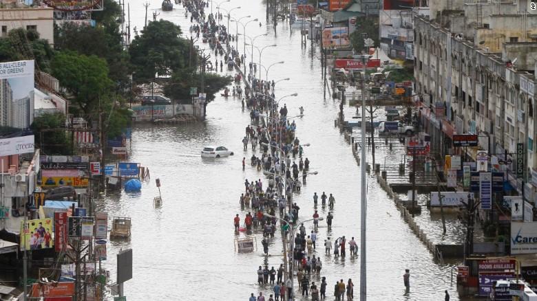 151204103940-india-chennai-flood-12-exlarge-169 (1)