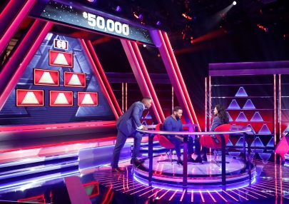 "THE $100,000 PYRAMID - Airdate: July 28, 2019 - Michael Strahan is back as host of ""The $100,000 Pyramid"" on Sunday nights on ABC. In game one Anthony Anderson competes against comedian Jay Pharoah. Next up, actor and comedian Jeff Ross and Pete Holmes compete with hopes of making it to the winner's circle and the ultimate prize of $100,000. ""The $100,000 Pyramid"" airs SUNDAY, JULY 28 (9:00–10:00 p.m. EDT), on The ABC Television Network, streaming and on demand. (Walt Disney Television/Lou Rocco) MICHAEL STRAHAN, ANTHONY ANDERSON, MARTIN ARAMAYO"